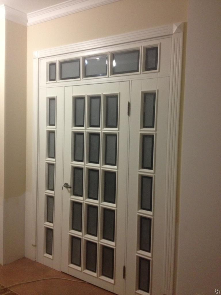 Двери в фальш стене фото