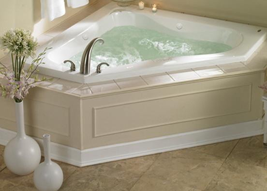 ванная комната дизайн фото с душевой кабиной для маленькой ванны