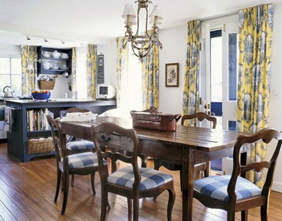 Кухня и столовая в стиле кантри.