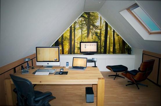Домашний офис на чердаке
