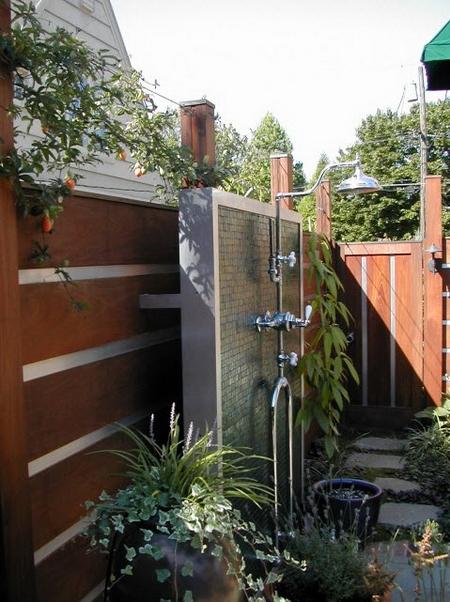 Летний душ на даче