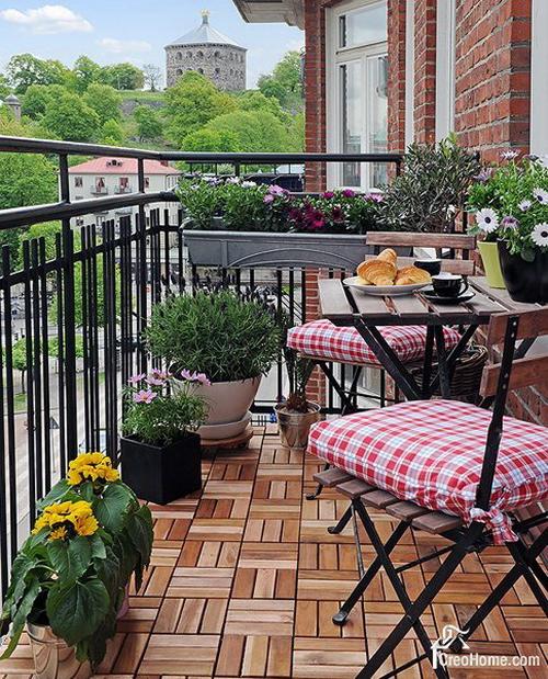 Как обустроить балкон