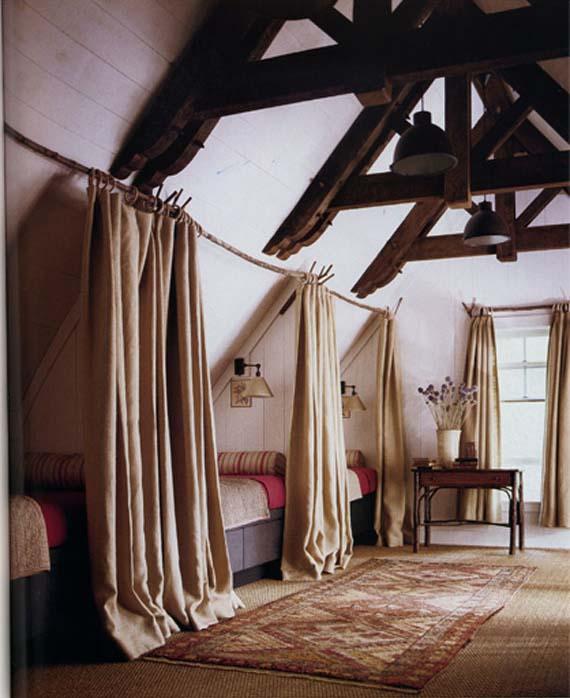 Дизайн спальни мансарда