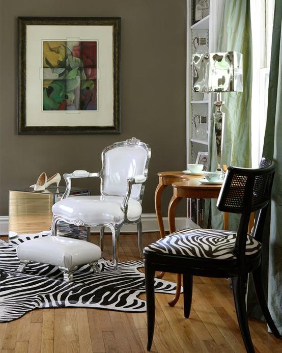 Обои зебра в интерьере фото