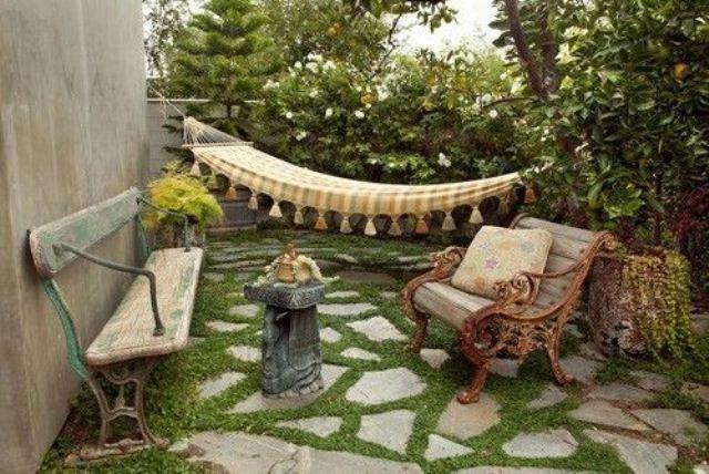 уютный двор