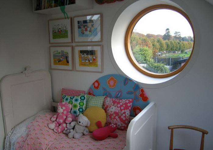 Круглое окно в интерьере