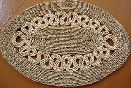 плотная плетенка из соломы или камыша для подстилки на пол что это