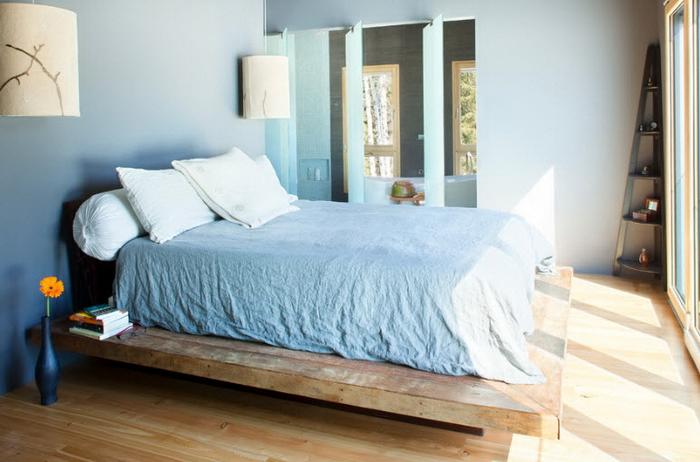 Кровати из массива дерева