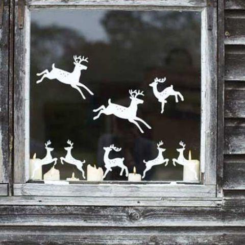 Как украсить окно на Новый год?