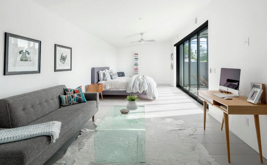 Светлая стильная спальня
